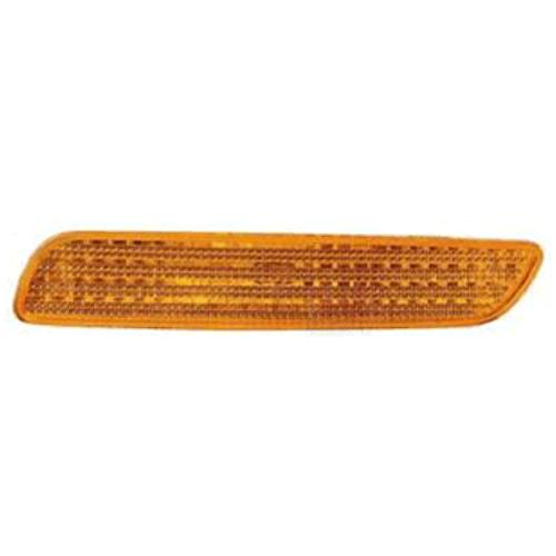 VOLVO ALKATRÉSZ : 30621937-1007743-Volvo-Szélességjelző lámpa, bal első vagy jobb hátsó, sárga