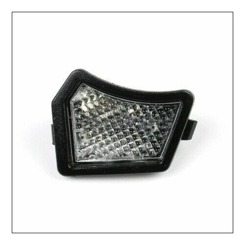 VOLVO ALKATRÉSZ : 31217838-1047874-Volvo-Talajvilágító lámpa (visszapill.), bal